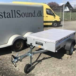 Lej en hoppy trailer hos InstallSound, med trailer presenning i grå