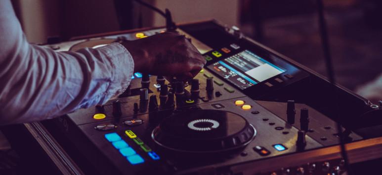 DJ til festen fra Pioneer